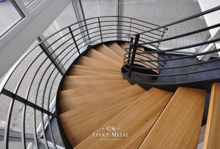 nowoczesna wewnętrzna kuta balustrada